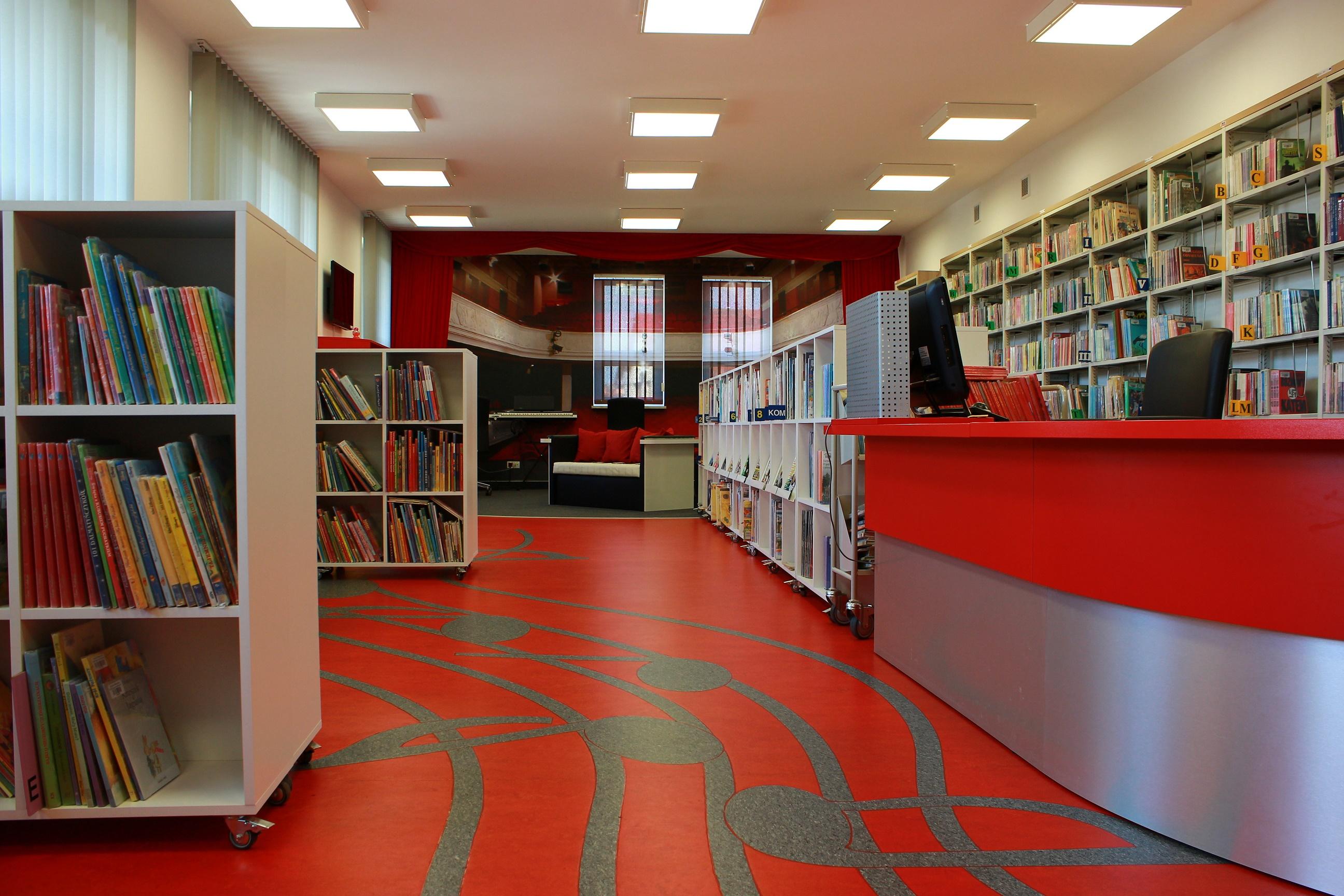 Biblioteko, wyróżnij się, albo zgiń