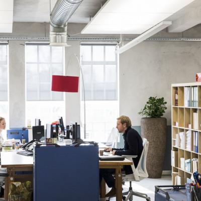 Biuro musi być lepsze niż dom. Wyniki ankiet wśród 800 tys. pracowników.