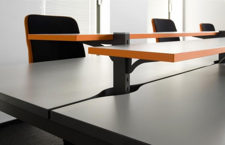Stół do pracy zespołowej