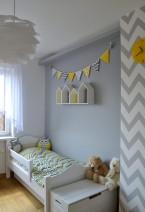 Szaro-żółty pokój dziecka