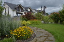 Ogród z widokiem na sad