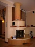 kominek przy schodach