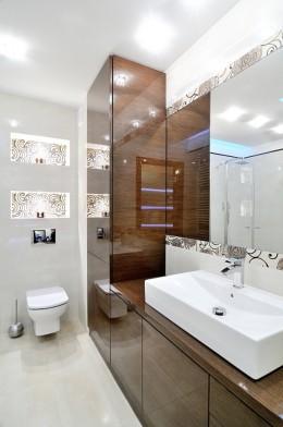 Nowoczesna łazienka w ciepłych kolorach