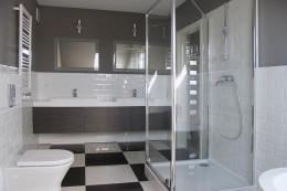 Łazienki w domu w zabudowie szeregowej w Rzeszowie