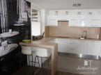 Mieszkanie minimalistyczne z elementami romantycznymi.