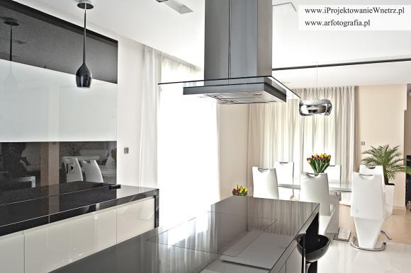 Kuchnia z salonem zdj cia z realizacji jakub w odarczyk for Projekty kuchni z salonem