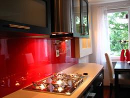 kuchnia z nutką czerwieni