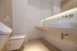 Aranżacja wnętrz Koszalin / projekt łazienki White & wood