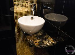 Powrót do przeszłości - łazienka dla gości