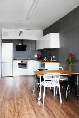 Industrialny apartament na Saskiej Kępie