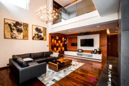 Luksusowe wnętrza z drewnem w roli głównej...