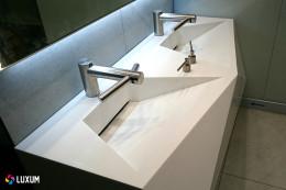 Nietypowe formy umywalek na indywidualne zamówienie