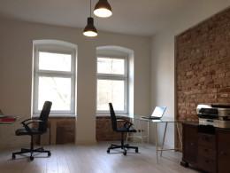 biuro własne MOYA