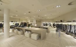 Aranżacja wnętrza sklepu z ekskluzywną odzieżą damską