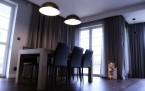 Monochromatyczny Dom